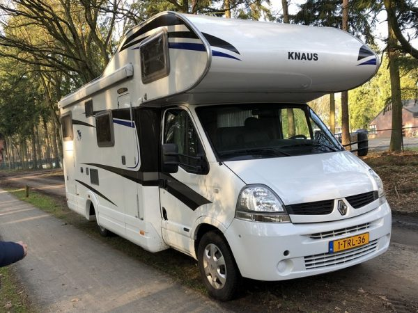 box-auto-camper-knaus-700dg-2